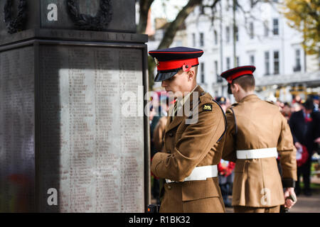 Brighton UK 11th November 2018 - The Act of Remembrance Service held at Brighton war memorial . It is the 100 year anniversary today of the ending of World War One on the 11th November 1918 . Photograph taken by Simon Dack Credit: Simon Dack/Alamy Live News - Stock Photo