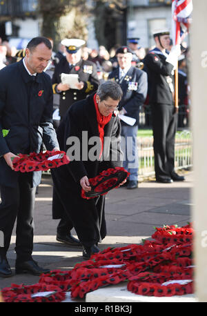 Brighton UK 11th November 2018 - Professor Debra Humphris the vice-chancellor of the University of Brighton lays a wreath at the Act of Remembrance Service held at Brighton war memorial . It is the 100 year anniversary today of the ending of World War One on the 11th November 1918 . Photograph taken by Simon Dack Credit: Simon Dack/Alamy Live News - Stock Photo