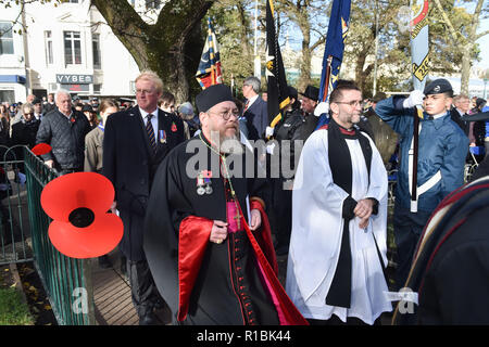 Brighton UK 11th November 2018 - All faiths were represented at the Act of Remembrance Service held at Brighton war memorial . It is the 100 year anniversary today of the ending of World War One on the 11th November 1918 . Photograph taken by Simon Dack Credit: Simon Dack/Alamy Live News - Stock Photo