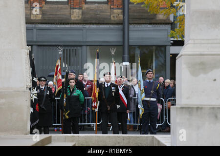 Manchester, UK. 11th Nov 2018. Veterans of conflict, serving members of the forces and members of the public take part in the service of remembrance marking 100 years since the end of WW!. The Cenotaph, Manchester, 11th November 2018 (C)Barbara Cook/Alamy Live News - Stock Photo