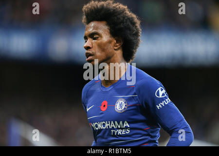Stamford Bridge, London, UK. 11th Nov 2018. Willian of Chelsea during the Premier League match between Chelsea and Everton at Stamford Bridge on November 11th 2018 in London, England. Editorial use only, license required for commercial use. No use in betting, games or a single club/league/player publications (Photo by Arron Gent/phcimages.com) Credit: PHC Images/Alamy Live News - Stock Photo
