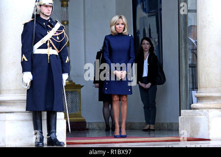Paris, Frankreich. 10th Nov, 2018. Brigitte Macron receives Melania Trump at the Élysée Palace. Paris, 10.11.2018 | usage worldwide Credit: dpa/Alamy Live News - Stock Photo