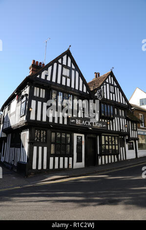 Black Lion Inn, Bridge Street, Bishops Stortford, Hertfordshire.  The inn dates to the 16th century. - Stock Photo