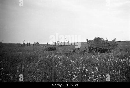 Wehrmacht Heer Leichte Feldhaubitze leFH 18 10,5 cm - German Army light howitzer 105mm - Stock Photo