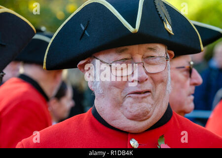London, UK. 11th November 2018. Military veterans participate in Remembrance Day parade commemorating the 100th anniversary of the end of the First World War. - Stock Photo