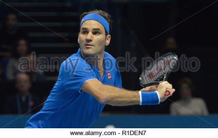 London UK 11th November 2018 Nitto ATP World Tour Finals at 02 Arena London UK Roger Federer SUI  Vs Kei Nishikori JPN Federer in action during the match Credit: Leo Mason DANCE Photos/Alamy Live News - Stock Photo