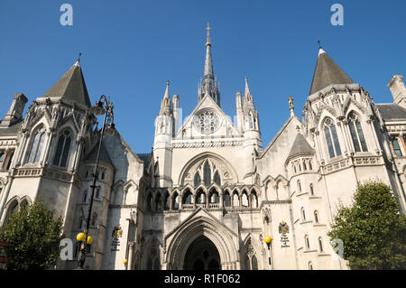 The Royal Courts of Justice, High Court, London, England, UK - Stock Photo