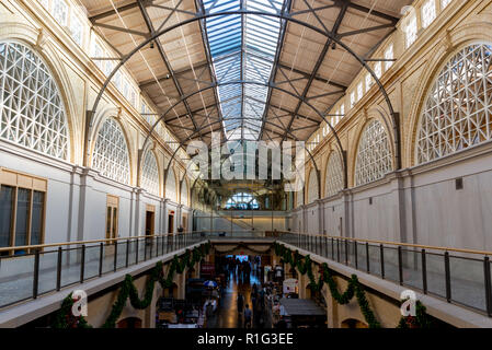 SAN FRANCISCO - NOVEMBER 07 2018: Inside of Beaux Arts style Ferry Building Marketplace - Stock Photo