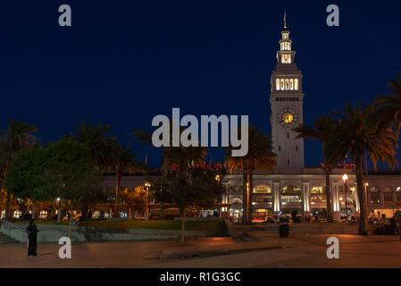 SAN FRANCISCO - NOVEMBER 07 2018: Beaux Arts style Ferry Building Marketplace at night - Stock Photo