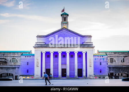 O2 Guildhall, The Guildhall, east wing, with colonnaded facade. Illuminated at dusk.Southampton, Hampshire, England, United Kingdom, UK, Europe - Stock Photo