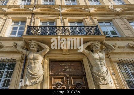 Dorway with caryatids, Tribunal de Commerce, Atlas Firgures,   Cours Mirabeau, Aix-en-Provence, Bouches-du-Rhone department, Provence-Alpes-Cote d´Azu - Stock Photo