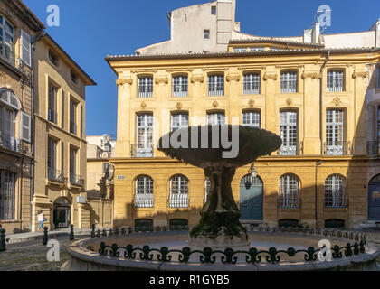 Fountain , Place Albertas, Aix-en-Provence, Bouches-du-Rhône, Provence-Alpes-Côte d'Azur, - Stock Photo