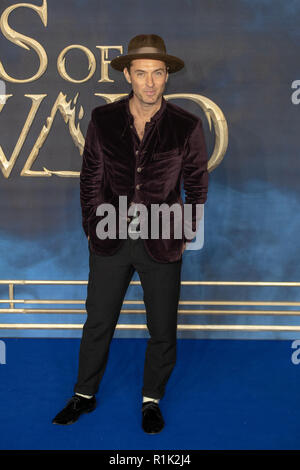 Leicester square,London, UK, 13th November 2018.  Jude Law attends the premiere of the film 'Fantastic Beasts: The Crimes of Grindelwald' in Leicester square  on November 13, 2018 England.© Jason Richardson / Alamy Live News - Stock Photo