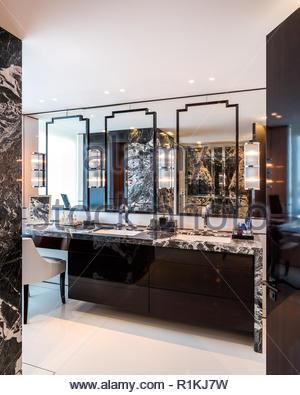 Art deco style bathroom - Stock Photo