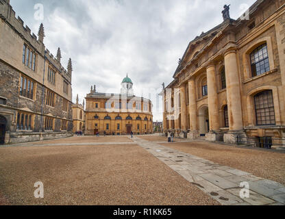 Clarendon quadrangle is small square surrounded by the Clarendon Building, Bodleian Library and Sheldonian Theatre and  occupied by the old Old Bodlei - Stock Photo