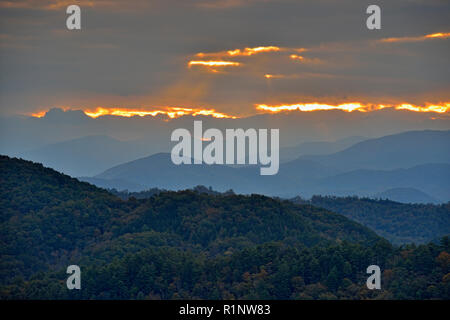 Dawn skies over the foothills from the Foothills Parkway viewpoint, Great Smoky Mountains National Park, Tennessee, USA - Stock Photo