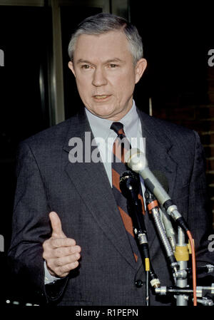 Washington, DC. March 29th, 1998 USA Senator Jeff Sessions Republican of Alabama talks with reporters outside the CBS studios in Washington DC after his appearance on the Sunday Morning Talk 'Face The Nation' Credit: Mark Reinstein /MediaPunch - Stock Photo