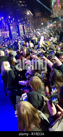 London, UK, 13th Nov, 2018,Fantastic Beasts: The Crimes of Grindelwald UK Premier London, UK. 13th Nov, 2018. Credit: Helen Cox/Alamy Live News - Stock Photo