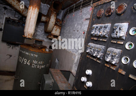 Pullach, Germany. 09th Nov, 2018. An old fuse box can be seen in a bunker under the presidential villa on the premises of the Federal Intelligence Service (BND). The villa was once the residence of Martin Bormann, head of the party office of the NSDAP and a confidant of Hitler, and belonged to the former Reichssiedlung Rudolf Heß, which was built between 1936 and 1938. From 1947, the buildings were used by the Gehlen organization and later by the Federal Intelligence Service (BND). Credit: Sven Hoppe/dpa/Alamy Live News - Stock Photo