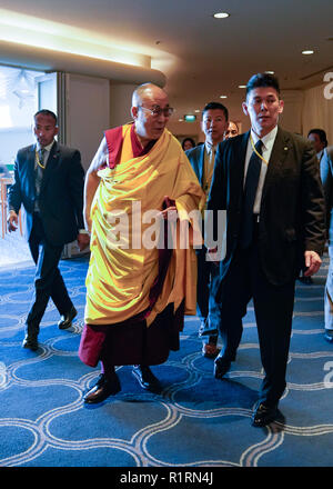 Yokohama, Japan. 14th Nov, 2018. His Holiness the 14th Dalai Lama is seen at a venue where he will speak to some 5,000 attendees during his first day of teachings in Yokohama. Credit: AFLO/Alamy Live News - Stock Photo