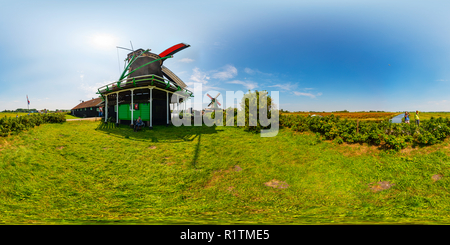 Oilmill De Zoeker in Zaanse Schans - Stock Photo