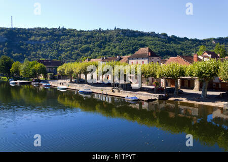 The River Lot at Cajarc in the Lot Valley, Lot, Quercy, France, Europe - Stock Photo
