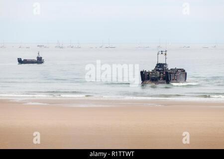 Royal Marines from HMS Bulwark preparing to make a beach landing in  LCU MK10 and LCVP MK5 landing craft, Sunderland Airshow, Tyne and Wear, 2016 - Stock Photo