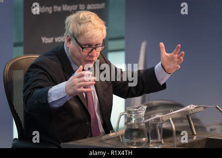 The Chamber at City Hall, The Queen's Walk, London, UK. 22nd February, 2016. The current Mayor of London, Boris Johnson, presents his last £16 billion - Stock Photo
