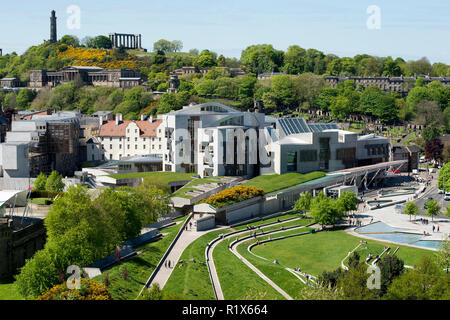 A view of the Scottish Parliament at Holyrood and Calton Hill behind, Edinburgh, Scotland. - Stock Photo