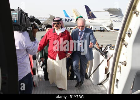 Bahrain. 15th Nov, 2018. BAHRAIN - NOVEMBER 15, 2018: Hamad bin Isa Al Khalifa (L), king of Bahrain, and Ilyushin Finance Co General Director Alexander Rubtsov view a Sukhoi Superjet 100 aircraft (SSJ100) of the Yamal Airlines at the 2018 Bahrain International Air Show at the Sakhir air base in Bahrain. 33 military delegations from 19 countries and 20 civilian ones from 35 countries take part in the show. Marina Lystseva/TASS Credit: ITAR-TASS News Agency/Alamy Live News - Stock Photo