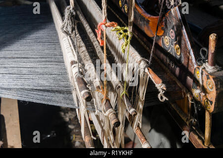 Detail of a handloom in Chitkul, the last village of Sangla Valley, located at 3.400 m and surounded by snow covered mountains - Stock Photo