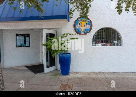 Gulfport,  Florida, USA., Tuesday,  09.10.18,  Manatee on the Bay, © Peter Spurrier - Stock Photo