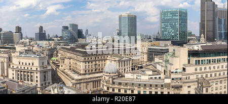 Rooftop view of the Bank of England, Threadneedle Street, City of London, EC2 with Angel Court, Stock Exchange Tower, Moor House, Tower 42 behind - Stock Photo
