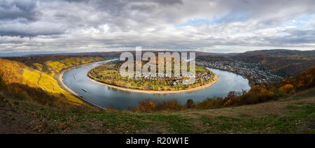 The great loop (Rheinschleife Bopparder Hamm) of the river Rhine at the town Boppard in the upper middle rhine valley, Rhineland-Palatinate, Germany - Stock Photo