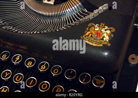 Imperial The Good Companion Model T portable typewriter, 1941 vintage - Stock Photo