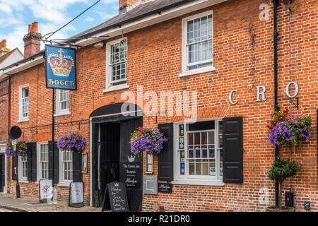 Crown Inn Hotel, Old Amersham High Street, Amersham, Buckinghamshire, England - Stock Photo