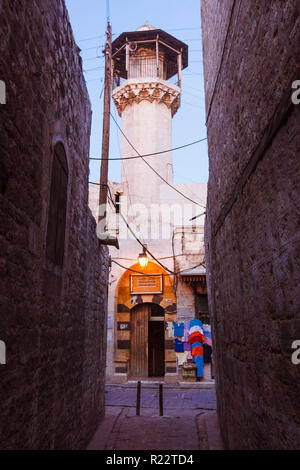 Aleppo, Aleppo Governorate, Syria : A mosque at a narrow alley in the old town. - Stock Photo