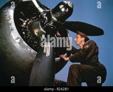 Colour photograph of the servicing of an A-20 bomber, Langley Field, Virginia. Photographed by Alfred T. Palmer. Dated 1942 - Stock Photo