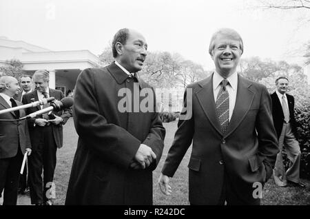 Photograph of the Egyptian President Anwar Sadat with President of the United States Jimmy Carter at the White House. Dated 1977 - Stock Photo