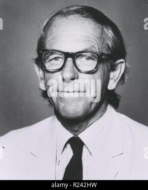 Photograph of Frederick Sanger (1918-2013) British biochemist who won the Nobel Prize for Chemistry twice. Dated 1971 - Stock Photo