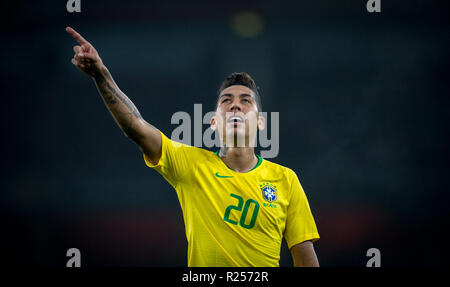 London, UK. 16th November 2018. Roberto Firmino (Liverpool) of Brazil during the International friendly match between Brazil and Uruguay at the Emirates Stadium, London, England on 16 November 2018. Photo by Andy Rowland. . (Photograph May Only Be Used For Newspaper And/Or Magazine Editorial Purposes. ) Credit: Andrew Rowland/Alamy Live News - Stock Photo
