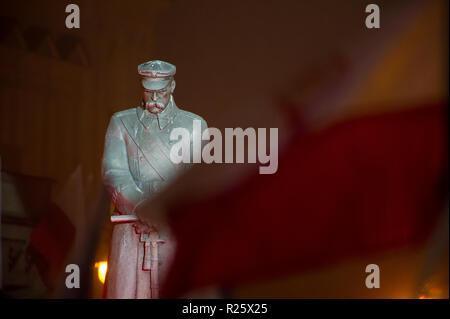 Statue of Marshal Jozef Pilsudski on Joseph Pilsudski Square in Warsaw, Poland. November 10th 2018 © Wojciech Strozyk / Alamy Stock Photo - Stock Photo