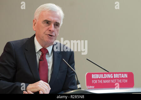 Mansfield, Nottinghamshire, England, UK. 17th November 2018. John McDonnell, Shadow Chancellor speaking in Mansfield, about the new policy 'The Road To Building The Economy'. These are a series of events looking at the impact of austerity on towns and at the tools and policies Labour will use to rebuild the economy. Alan Beastall/Alamy Live News - Stock Photo