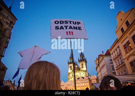 Prague, Czech Republic, November 17, 2018: Demonstration at Prague Old town square Credit: Markéta Bendová/Alamy Live News - Stock Photo