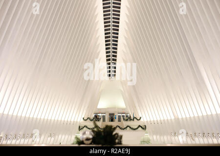 New York, NEW YORK, USA. 18th Nov, 2018. Christmas decoration is seen at The Oculus World Trade Center in New York City in the United States at dawn this Sunday, 18. Credit: William Volcov/ZUMA Wire/Alamy Live News - Stock Photo