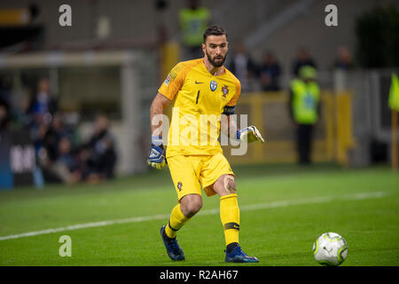 Milan, Italy. 17th Nov, 2018. Rui dos Santos Patricio (Portugal) during the UEFA Nations League 2018-2019 match between Italy 0-0 Portugal at Giuseppe Meazza Stadium on November 17, 2018 in Milano, Italy. Credit: Maurizio Borsari/AFLO/Alamy Live News - Stock Photo