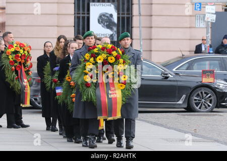 Berlin, Germany. 18th Nov, 2018. Kranz carrier at the wreath-laying ceremony in the Neue Wache in Berlin. On Memorial Day on 18.11.2018, the victim of war and tyranny in Berlin is commemorated. Credit: SAO Struck/Alamy Live News - Stock Photo