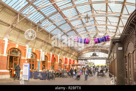 WINDSOR, ENGLAND - NOVEMBER 2018: Interior view of the Windsor Royal Shopping centre in Windsor town centre. - Stock Photo