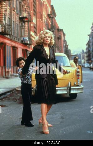 Gloria  Year : 1980 USA Director : John Cassavetes Gena Rowlands, John Adames - Stock Photo