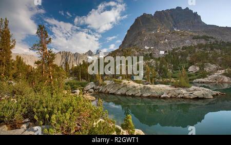 Mount Robinson at Fifth Lake, Temple Crag in dist, Big Pine Lakes, The Palisades region, John Muir Wilderness, Eastern Sierra Nevada, California, USA - Stock Photo